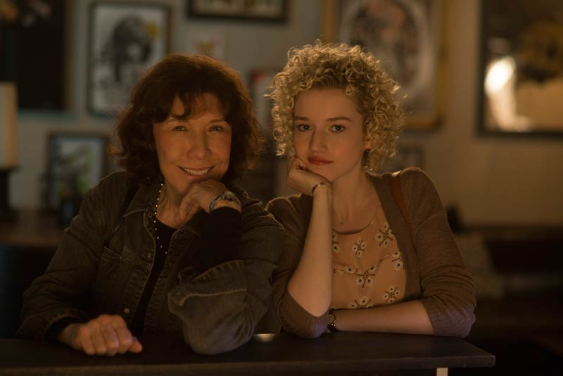 EigaUK-Eiga-UK-Film-News-in-UK-for-Japanese-Audiences-Grandma-Lily-Tomlin-and-granddaughter-Julia-Garner